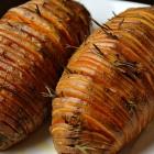 Zoete aardappel met rozemarijn en spek