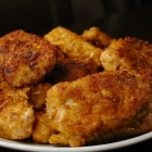 Homemade kipnuggets met oude kaas