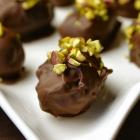 Gevulde dadels met roomkaas en pure chocolade