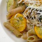 Pasta pesto met citroen en courgette