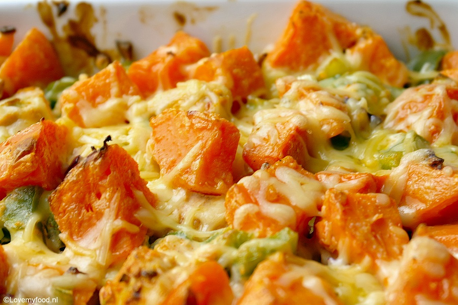 zoete aardappel uit de oven met groenten